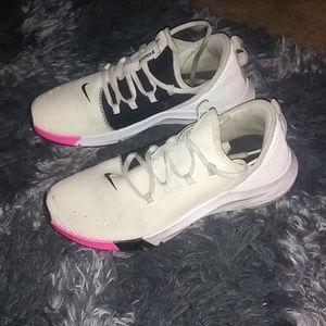 Nike nooms